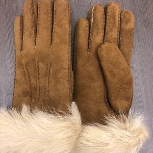 UGG fur trimmed sheepskin gloves